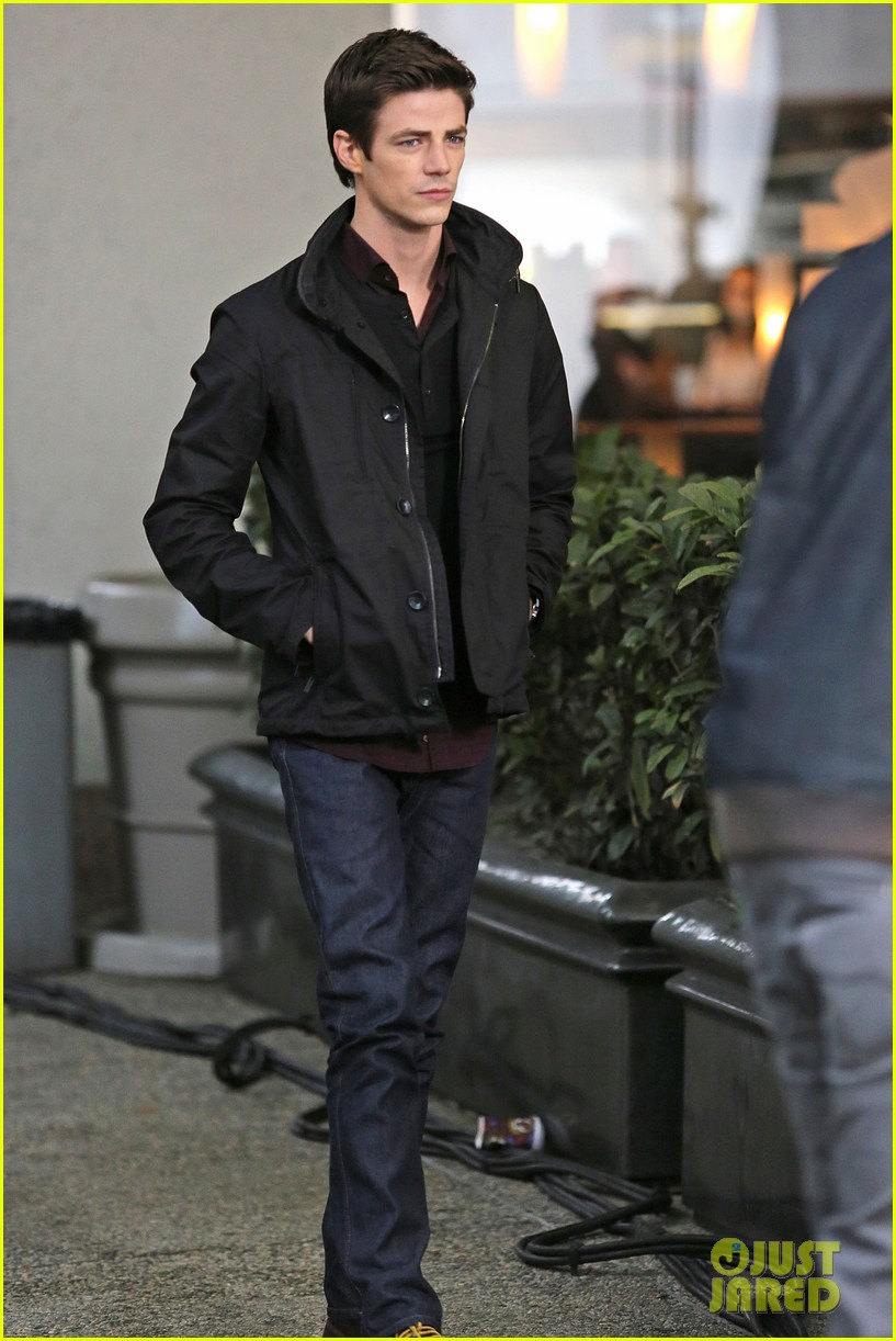grant gustin begins filming the flash 133066485