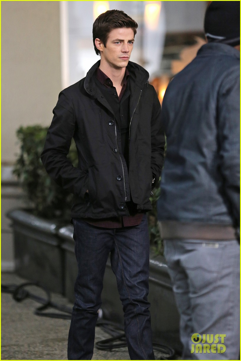 grant gustin begins filming the flash 143066486