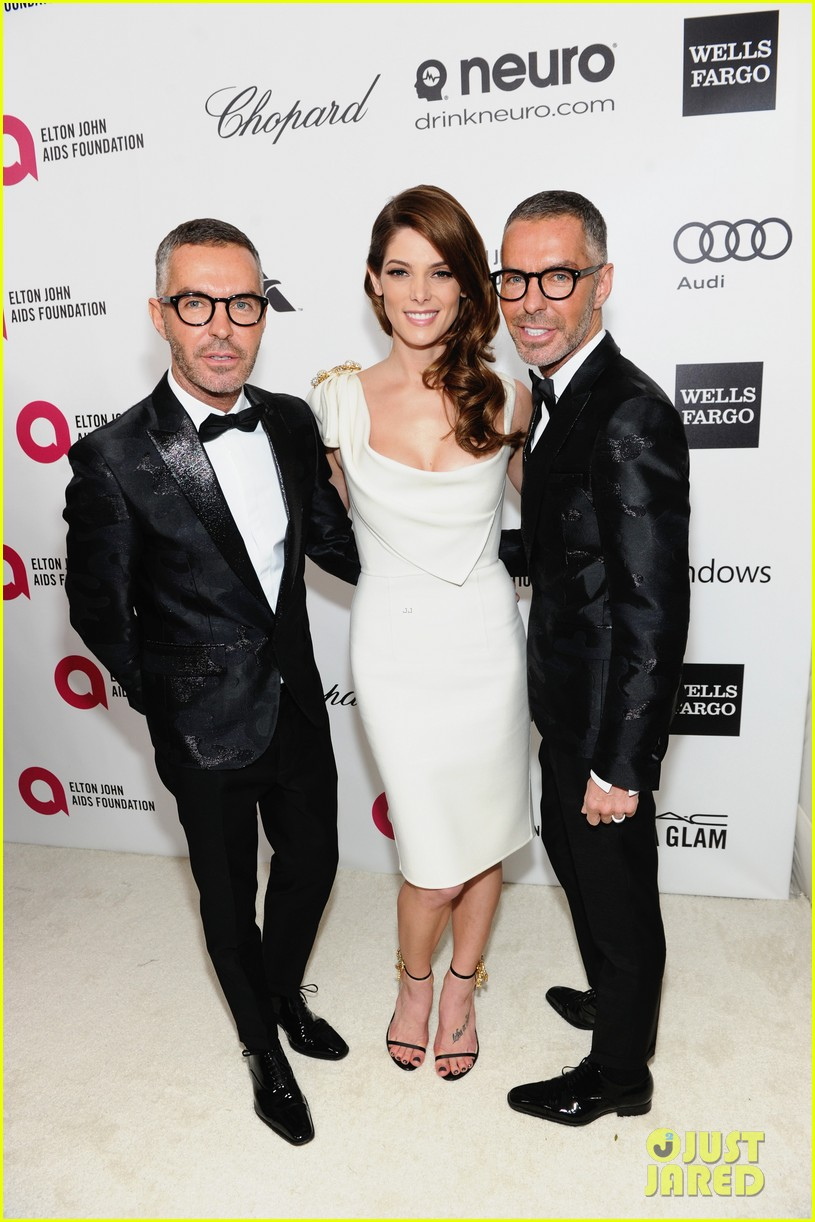 ashley greene watches the oscars 2014 in style at the elton john party 043064096