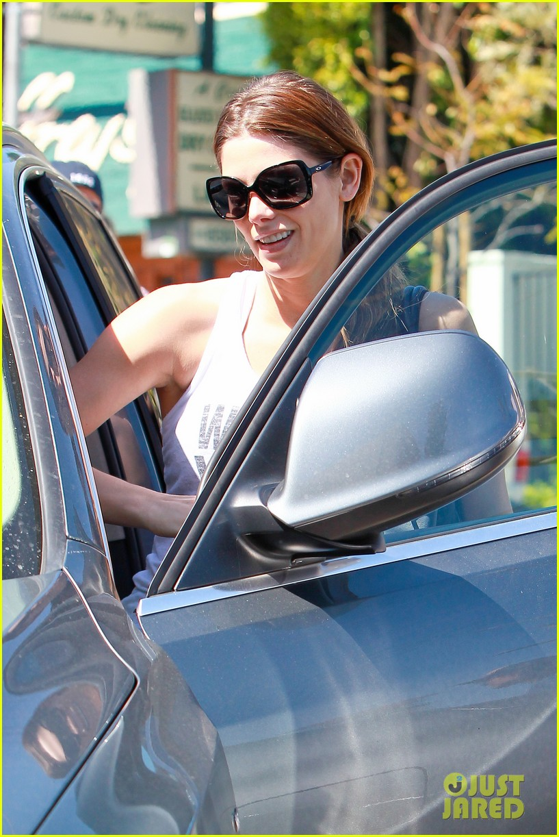 ashley greene strong is the new skinny 153073127