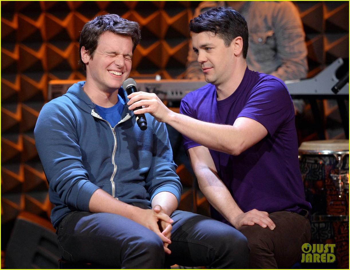 jonathan groff interviewed for freestyle love supreme exclusive 013067927