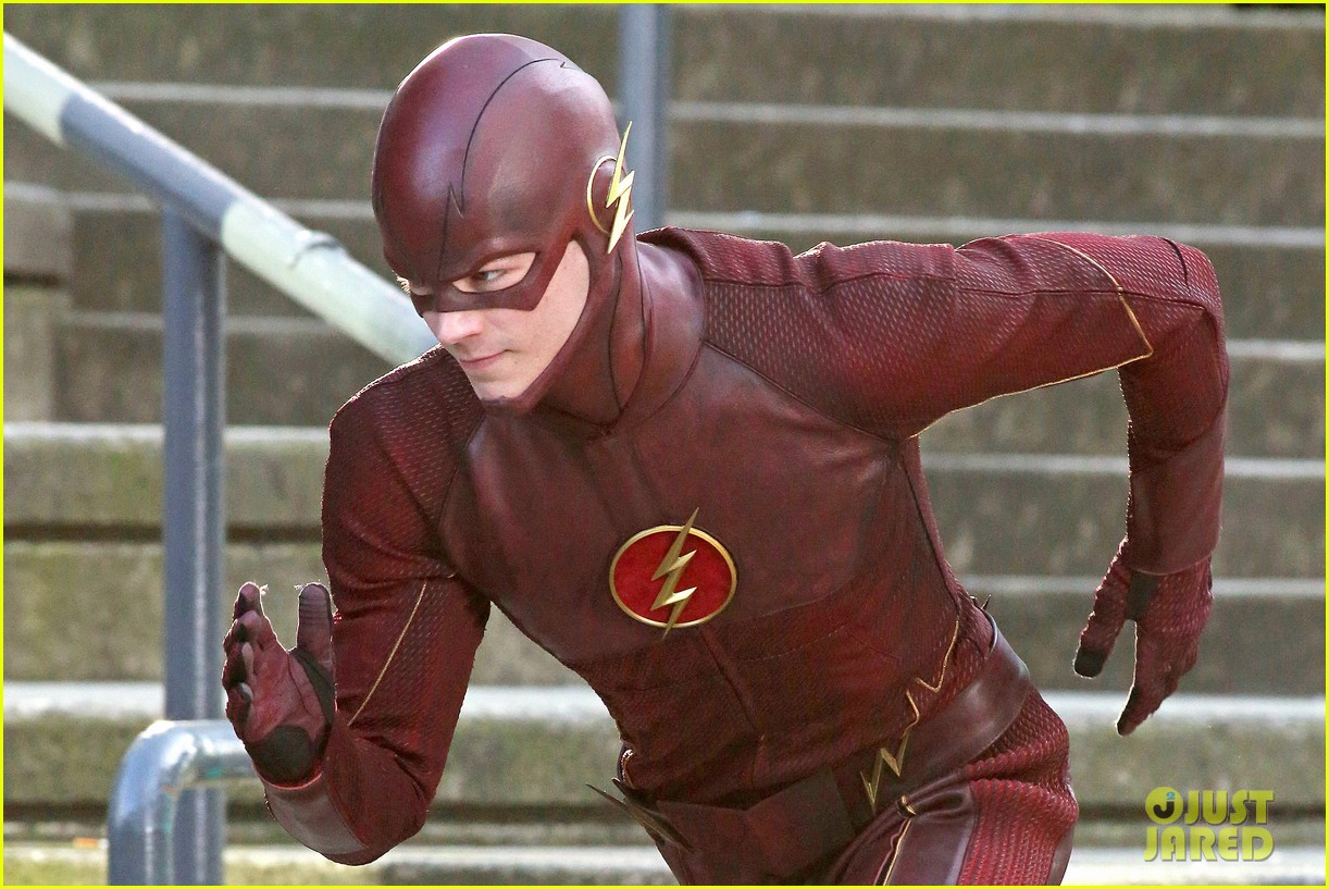 grant gustin flashes into action 043071210