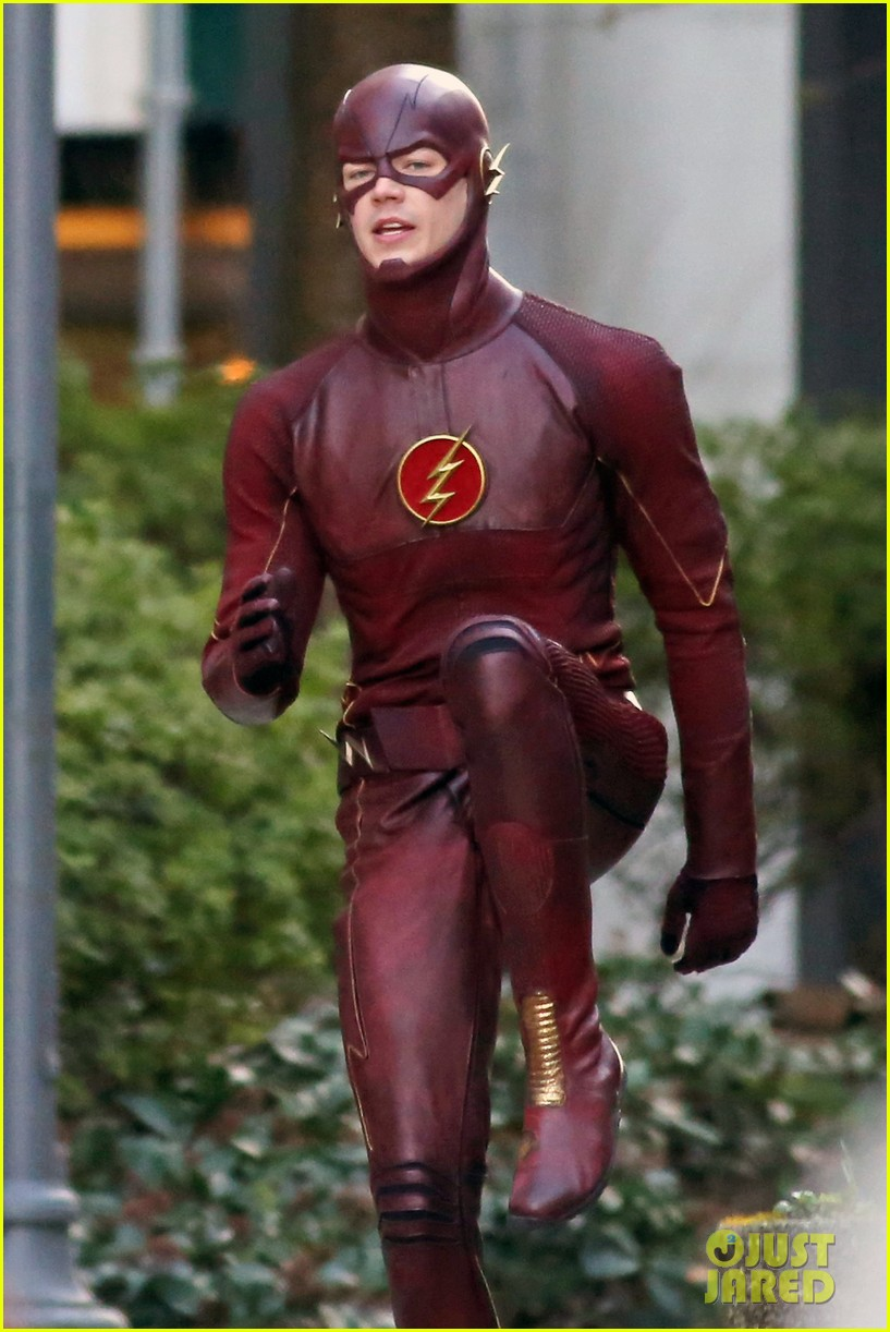 grant gustin flashes into action 083071214