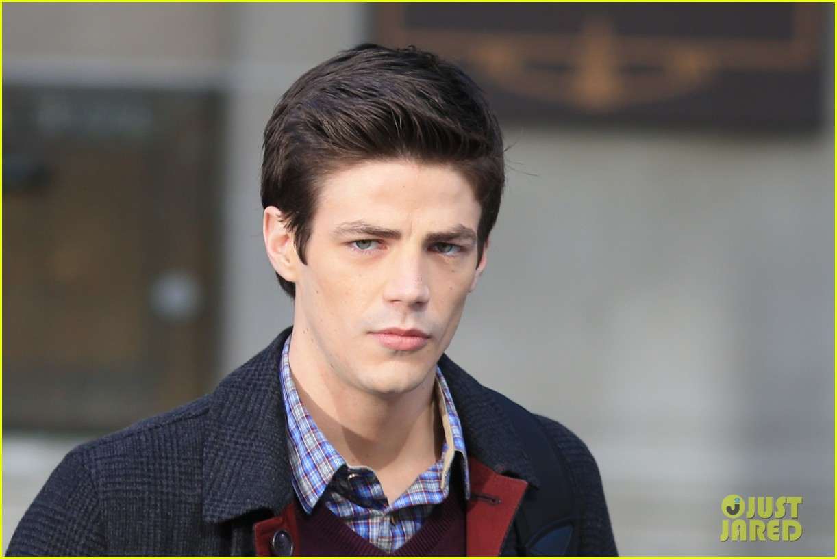 grant gustin flashes into action 163071222