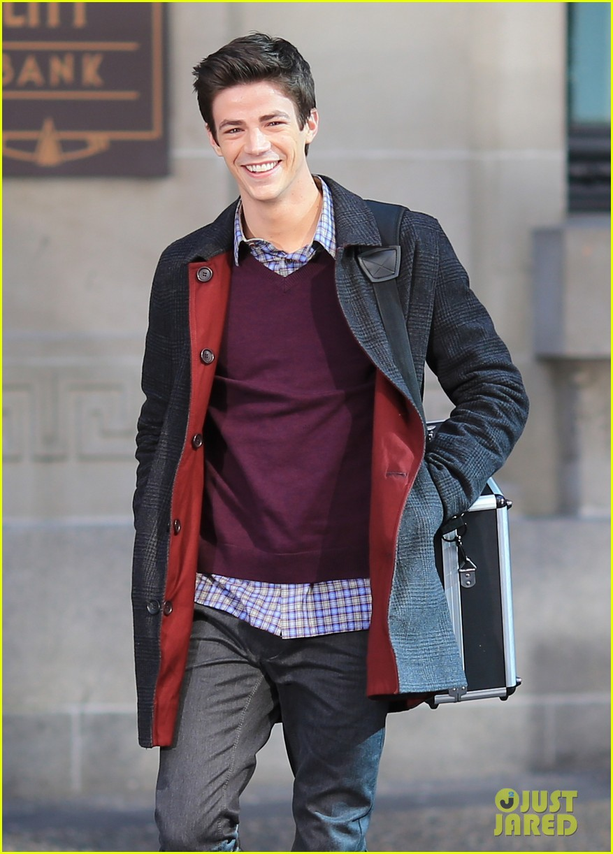 grant gustin flashes into action 193071225