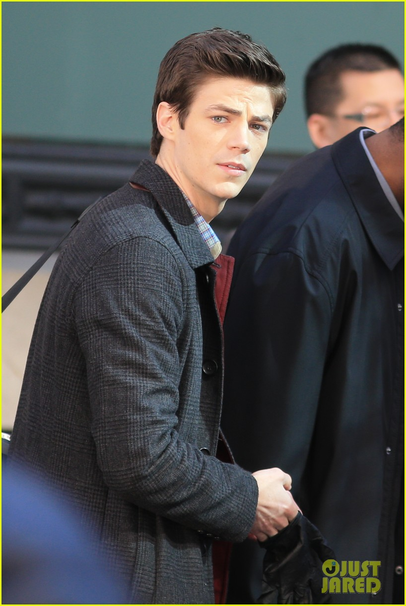 grant gustin flashes into action 223071228