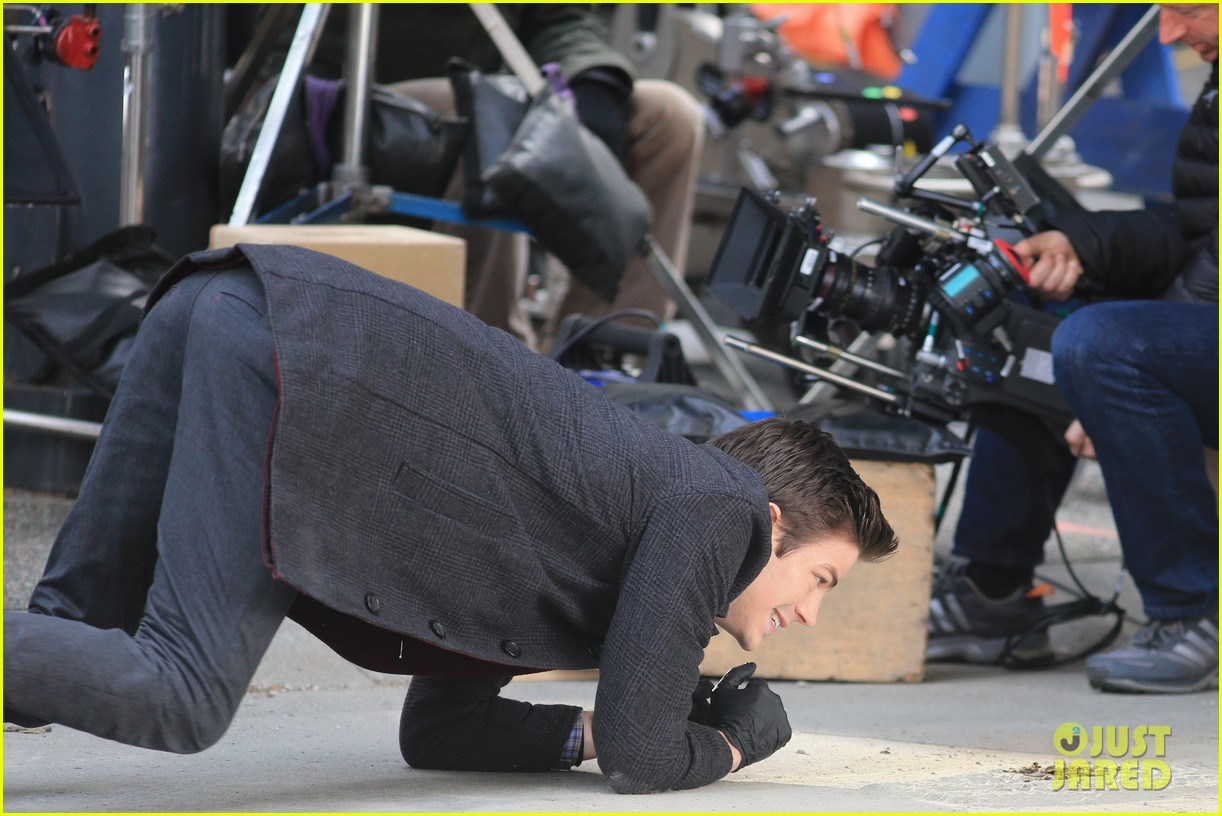 grant gustin flashes into action 253071231