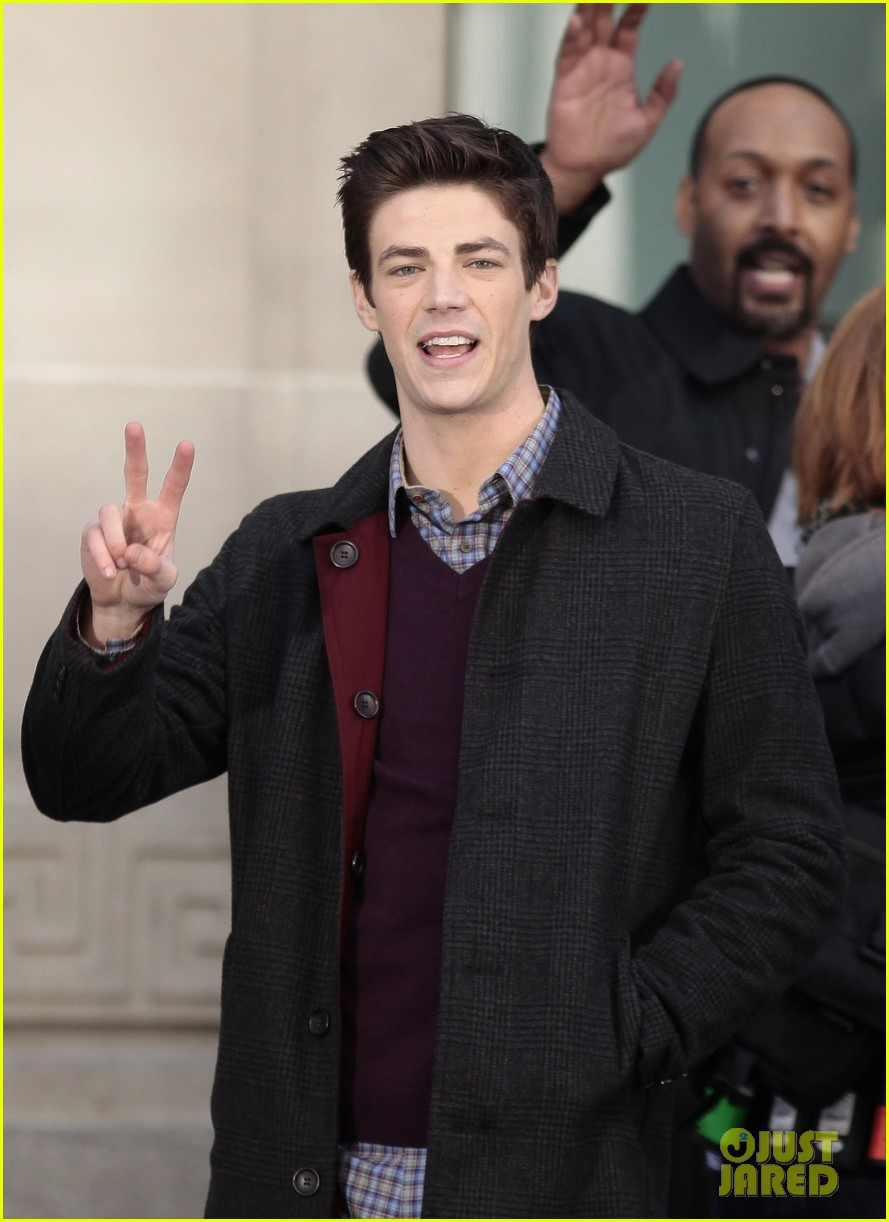 the flashs grant gustin cant wait to see his pup 053077560