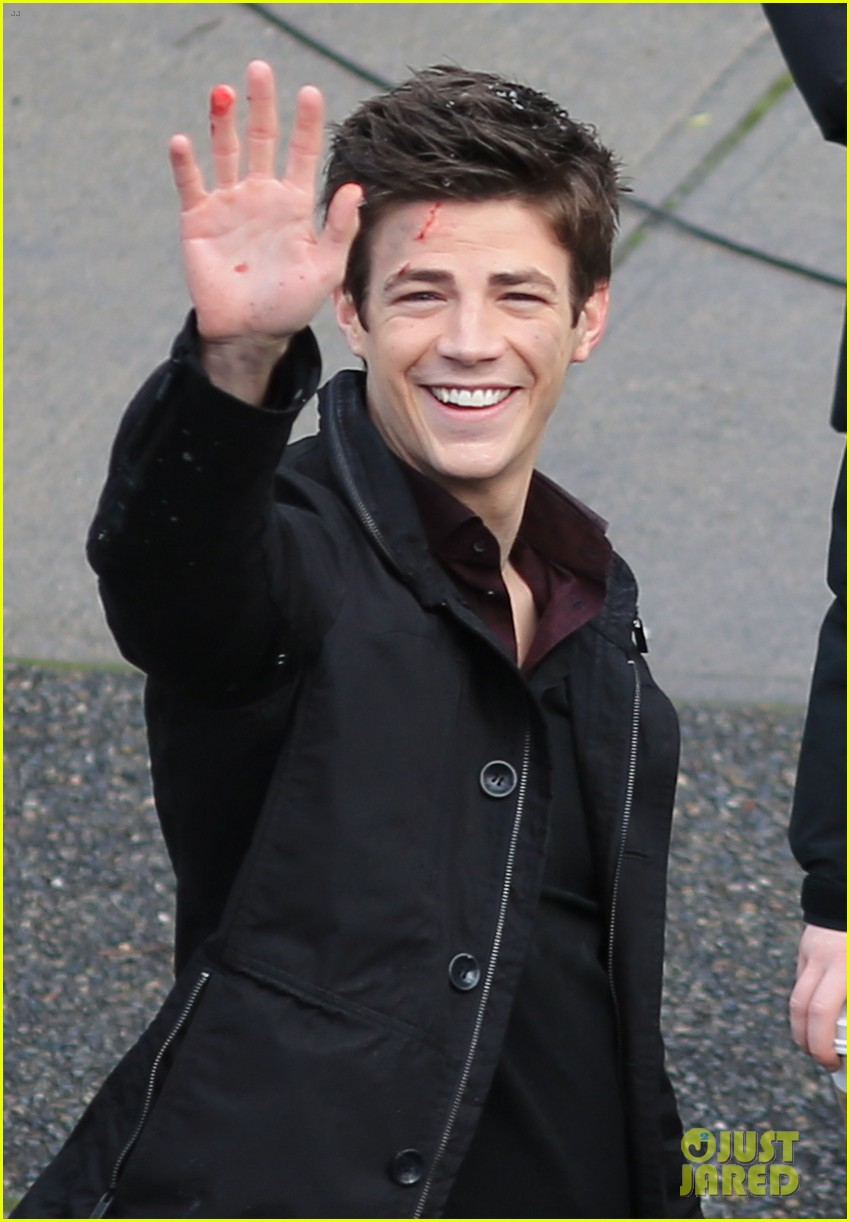 grant gustin plans on getting the flash tattoo 023069069