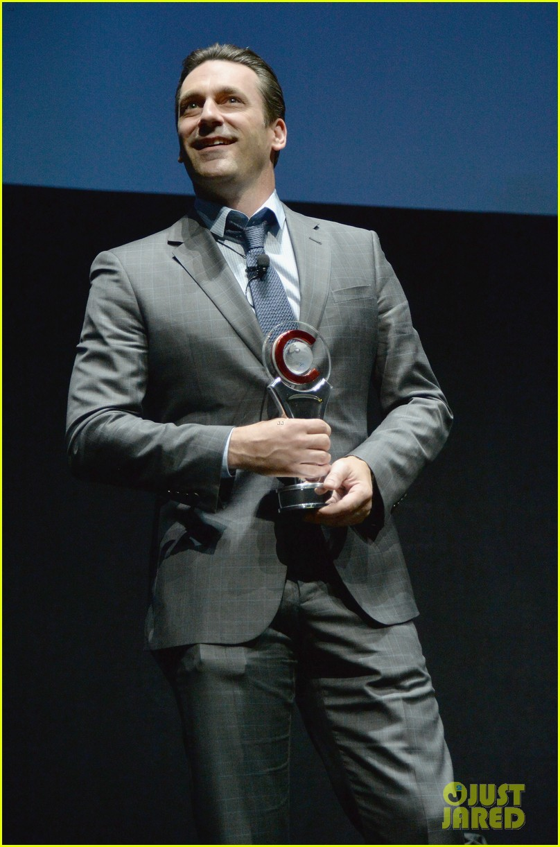 jon hamm excellence in acting award cinemacon 033079093