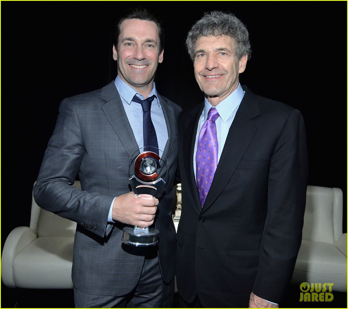 jon hamm excellence in acting award cinemacon 063079096