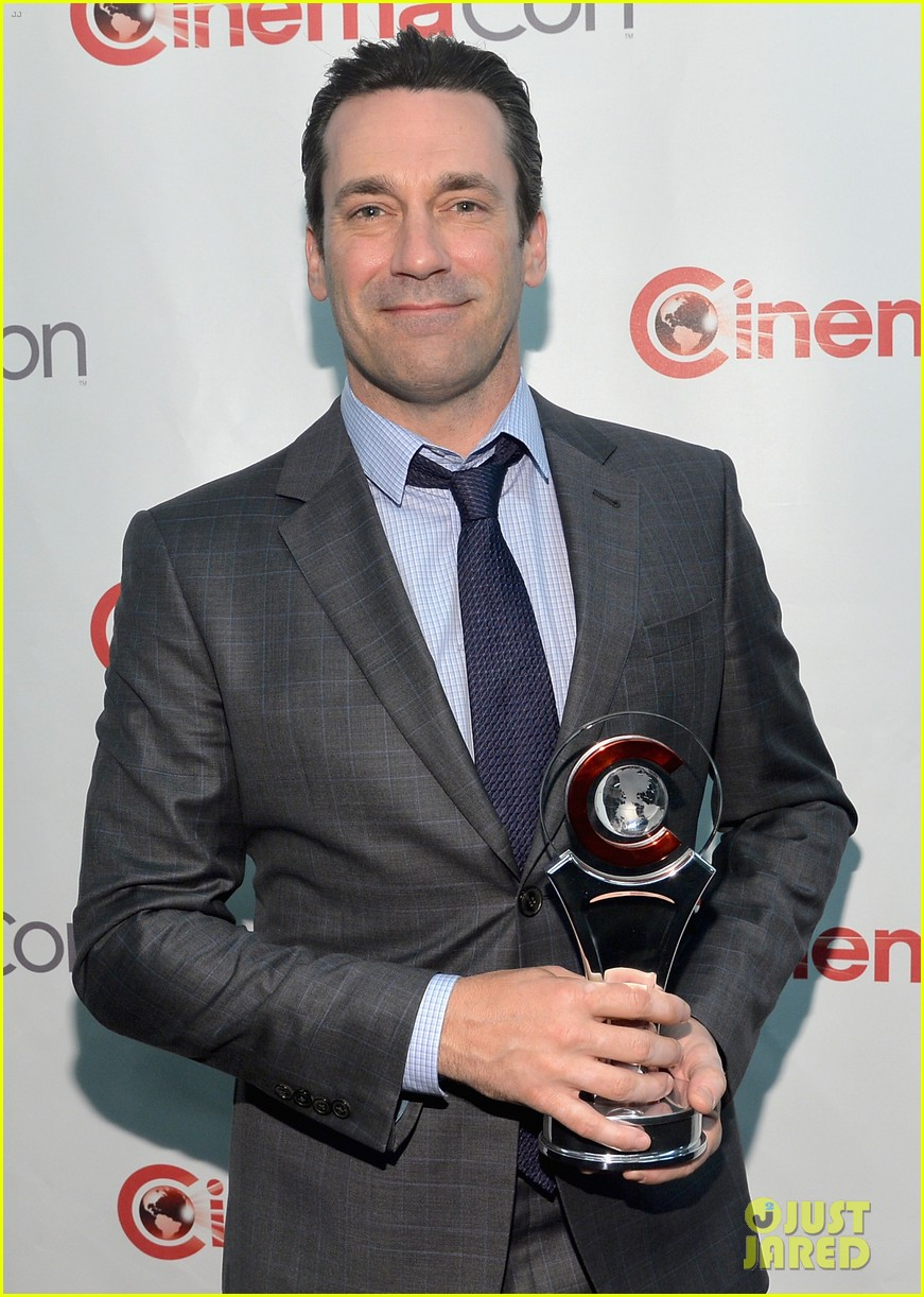 jon hamm excellence in acting award cinemacon 093079099