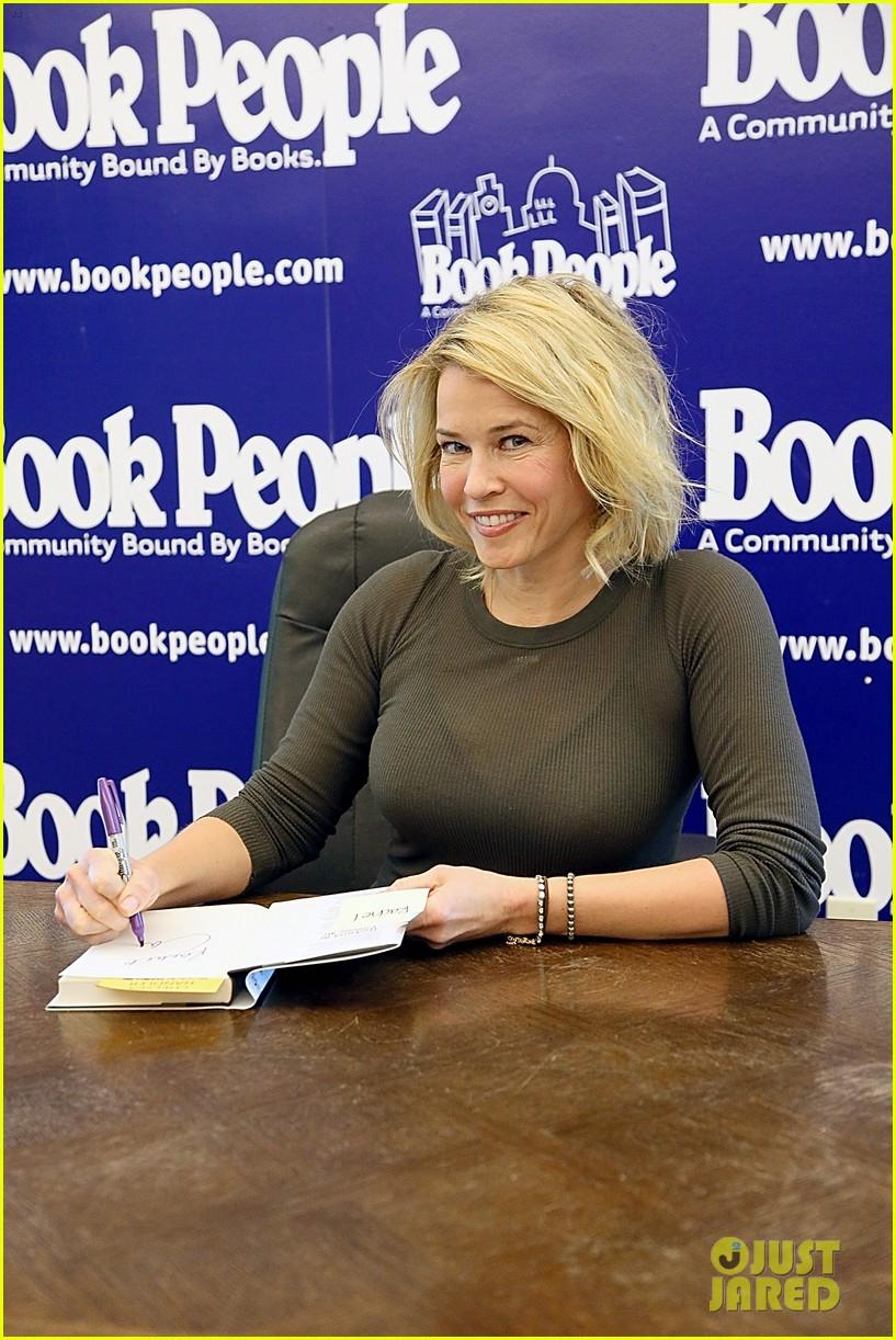 chelsea handler signs books after talk show ending news 023082395