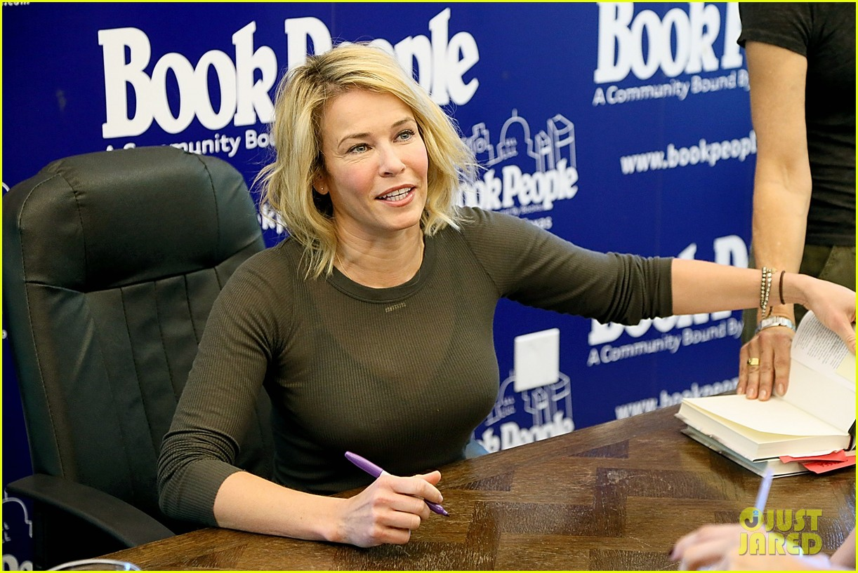 chelsea handler signs books after talk show ending news 033082396