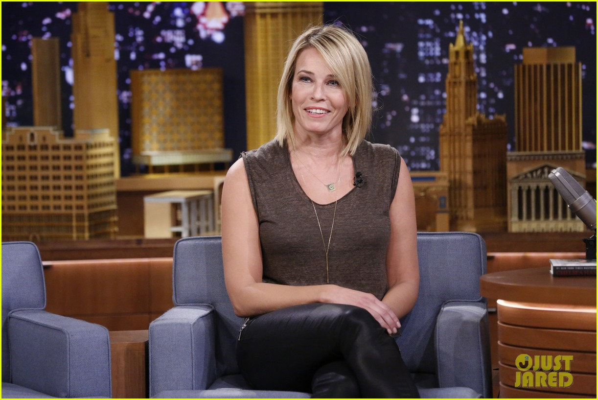 chelsea handler promotes new book on tonight show 043066372