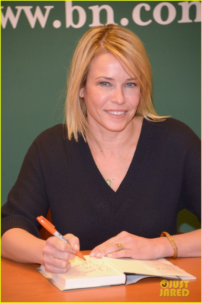 chelsea handler promotes new book on tonight show 07