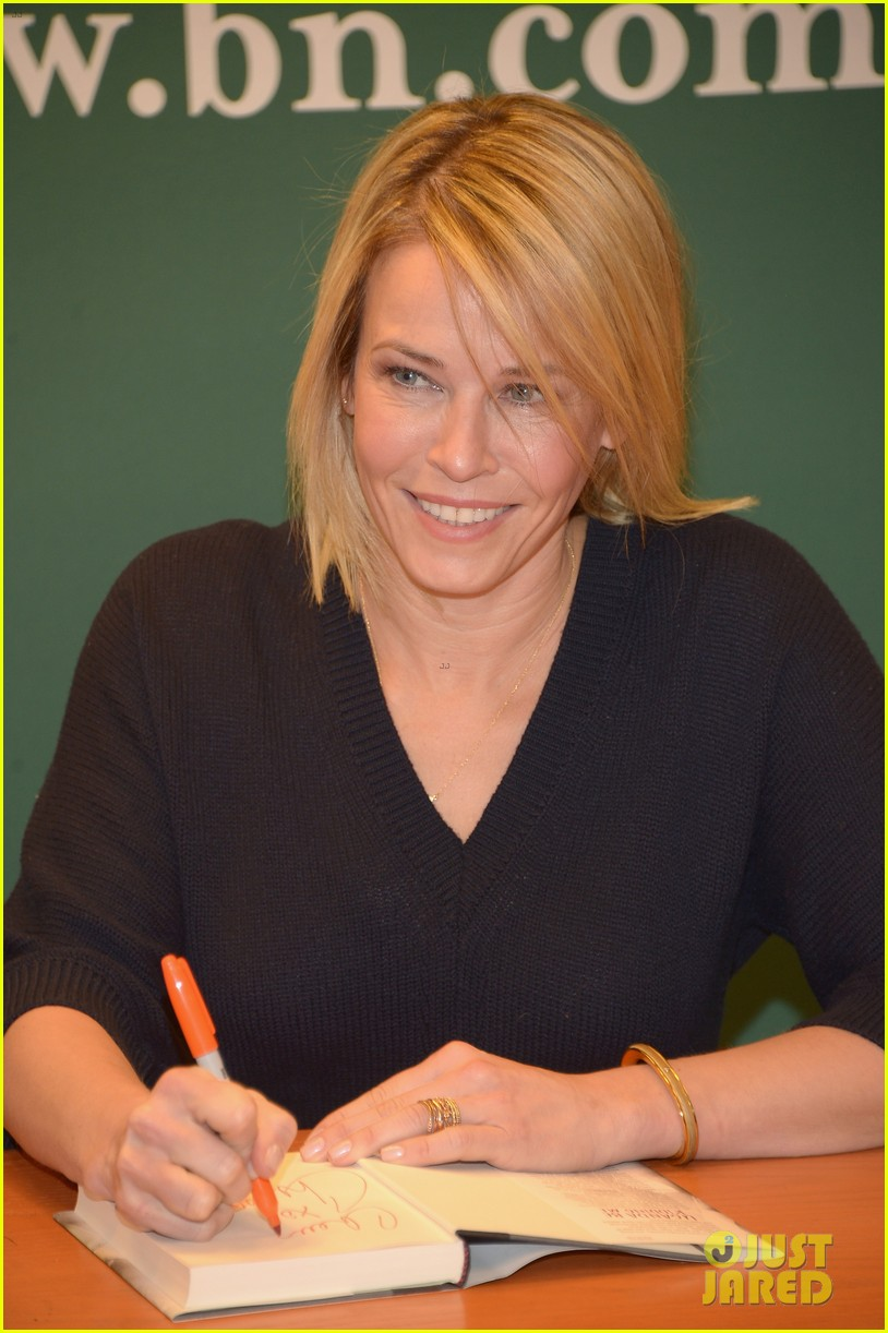 chelsea handler promotes new book on tonight show 093066377