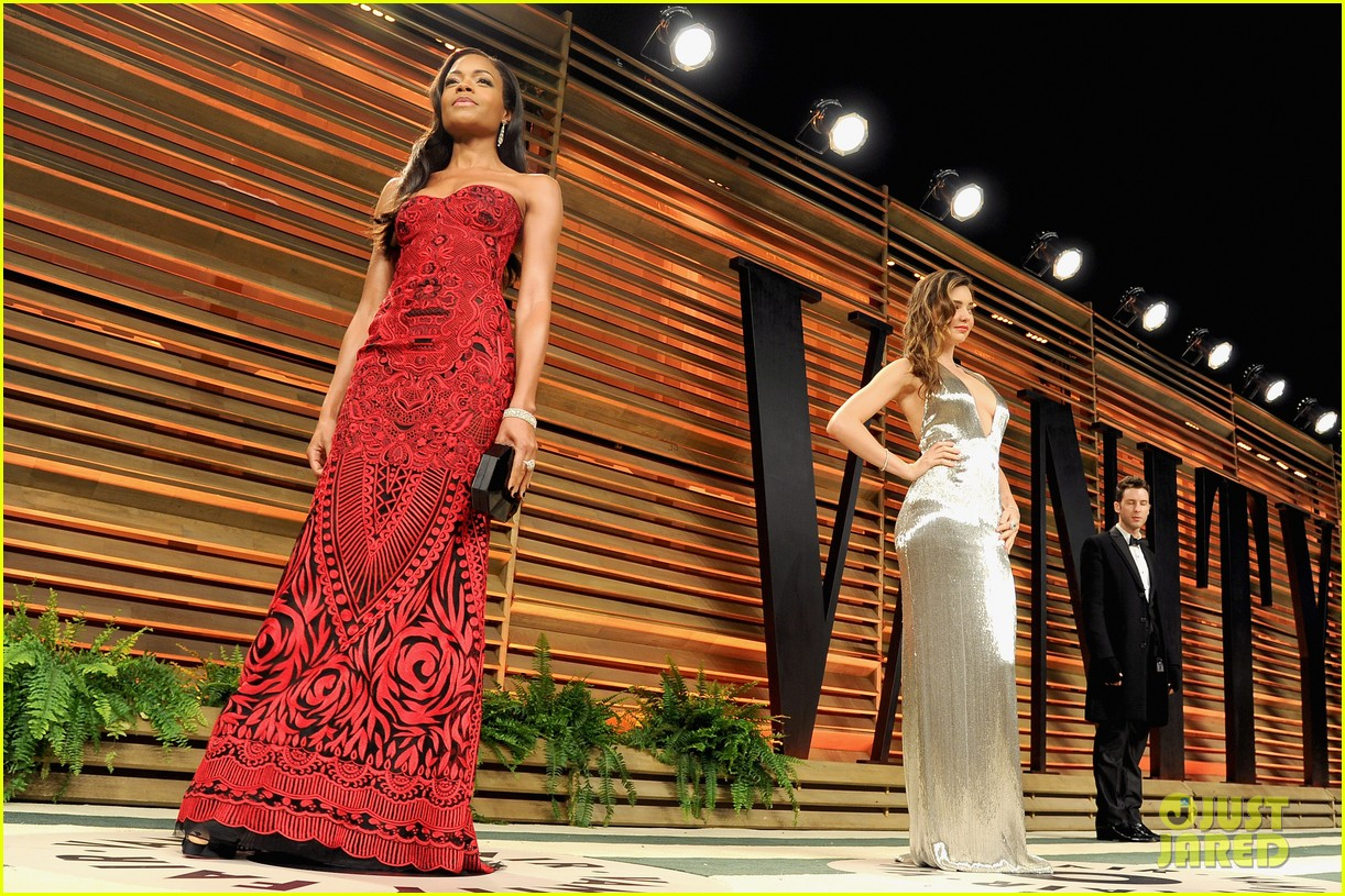 naomie harris honors mandela at vanity fair oscars party 2014 033064916