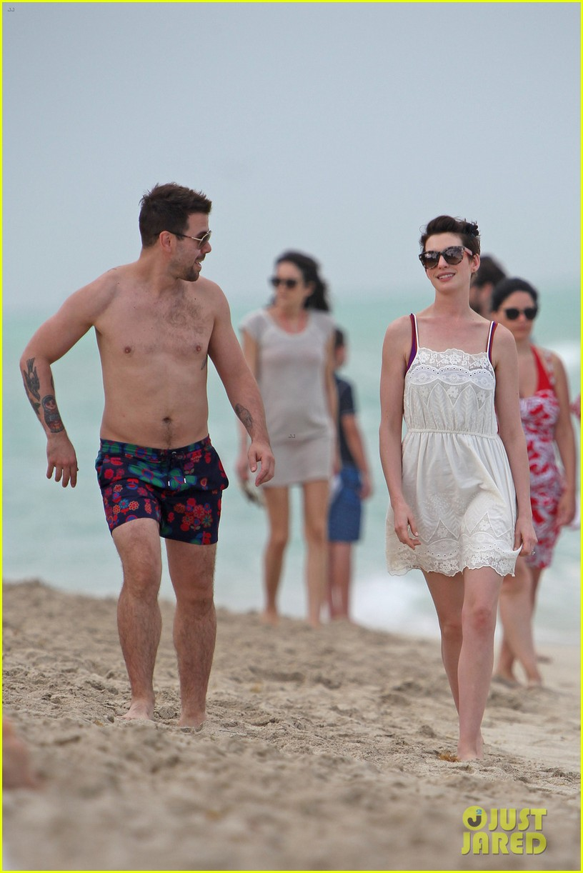 anne hathaway heads back for more beach fun in miami 03