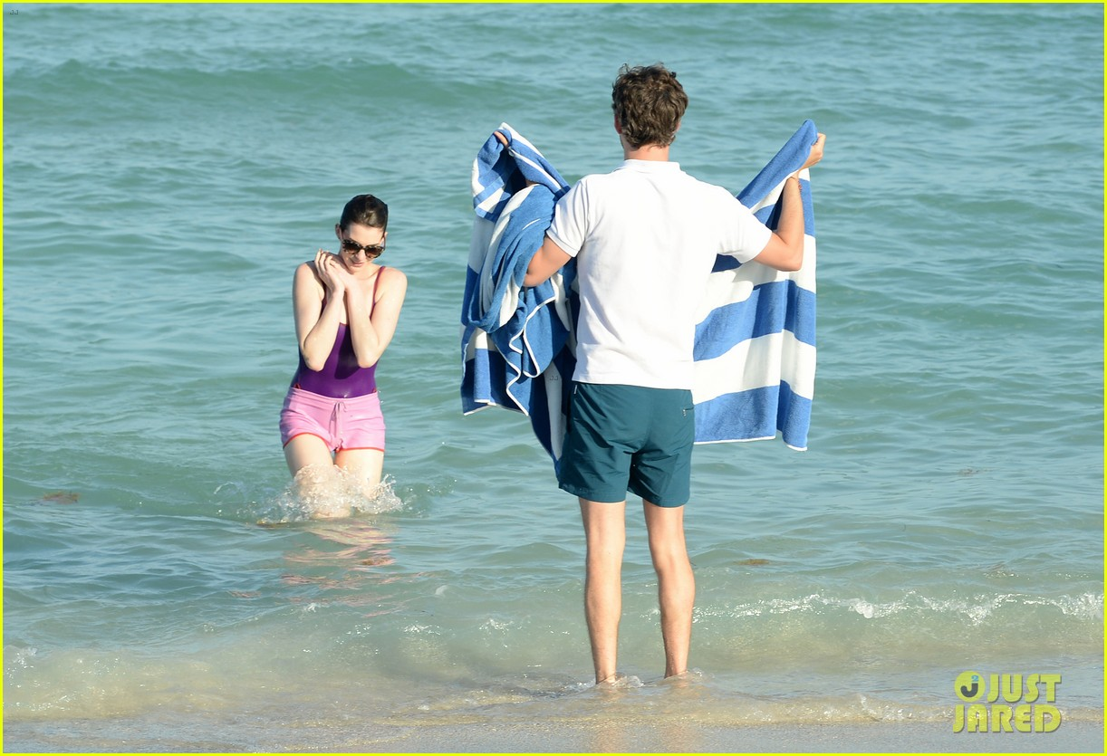anne hathaway heads back for more beach fun in miami 053077318