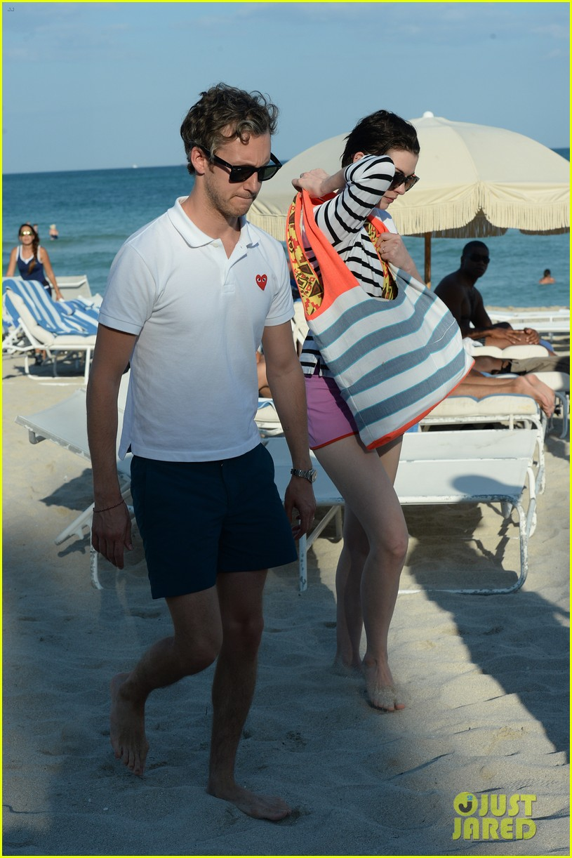 anne hathaway heads back for more beach fun in miami 153077328