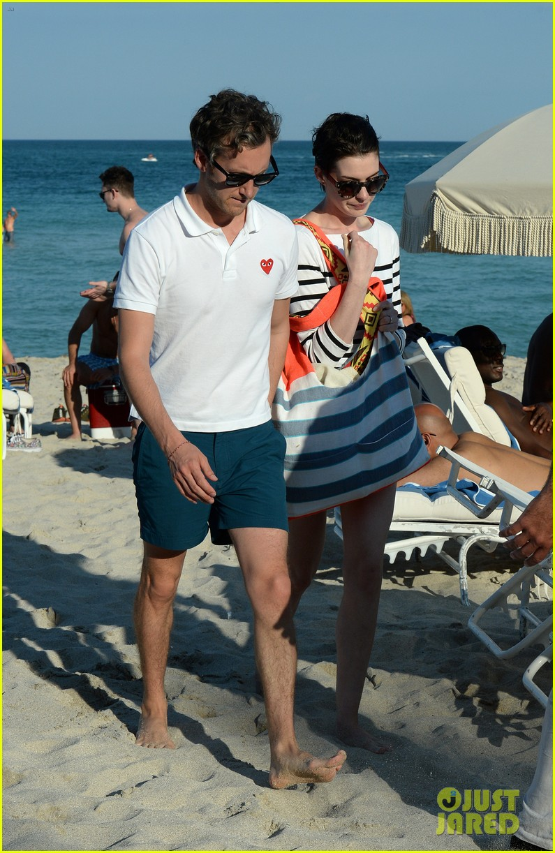 anne hathaway heads back for more beach fun in miami 163077329
