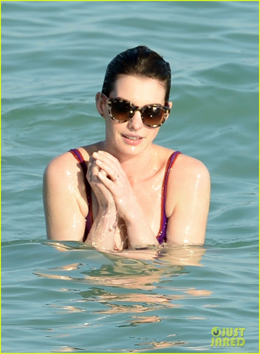 anne hathaway heads back for more beach fun in miami 173077330