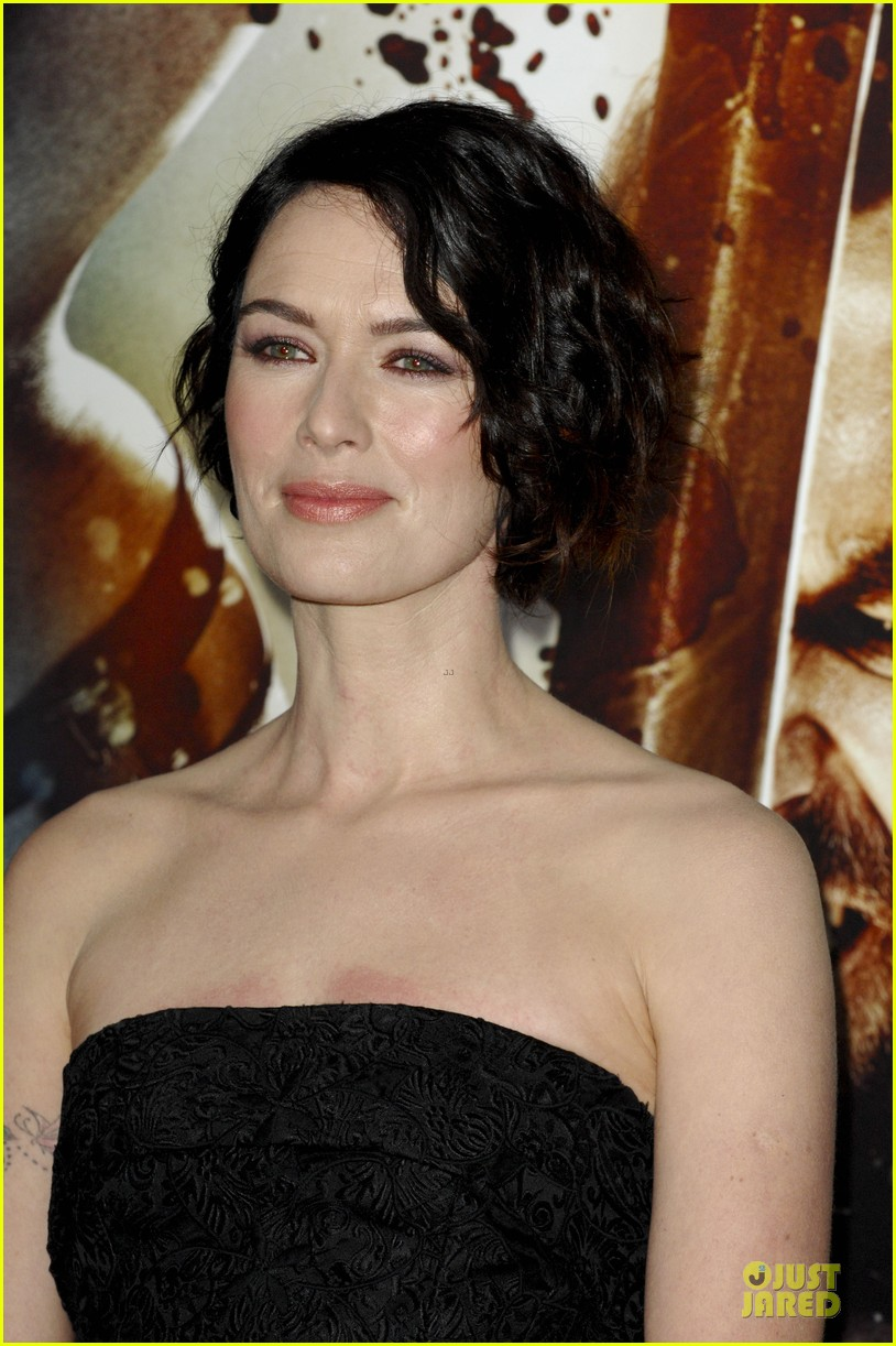 lena headey shows tattoos at 300 premiere with eva green 16