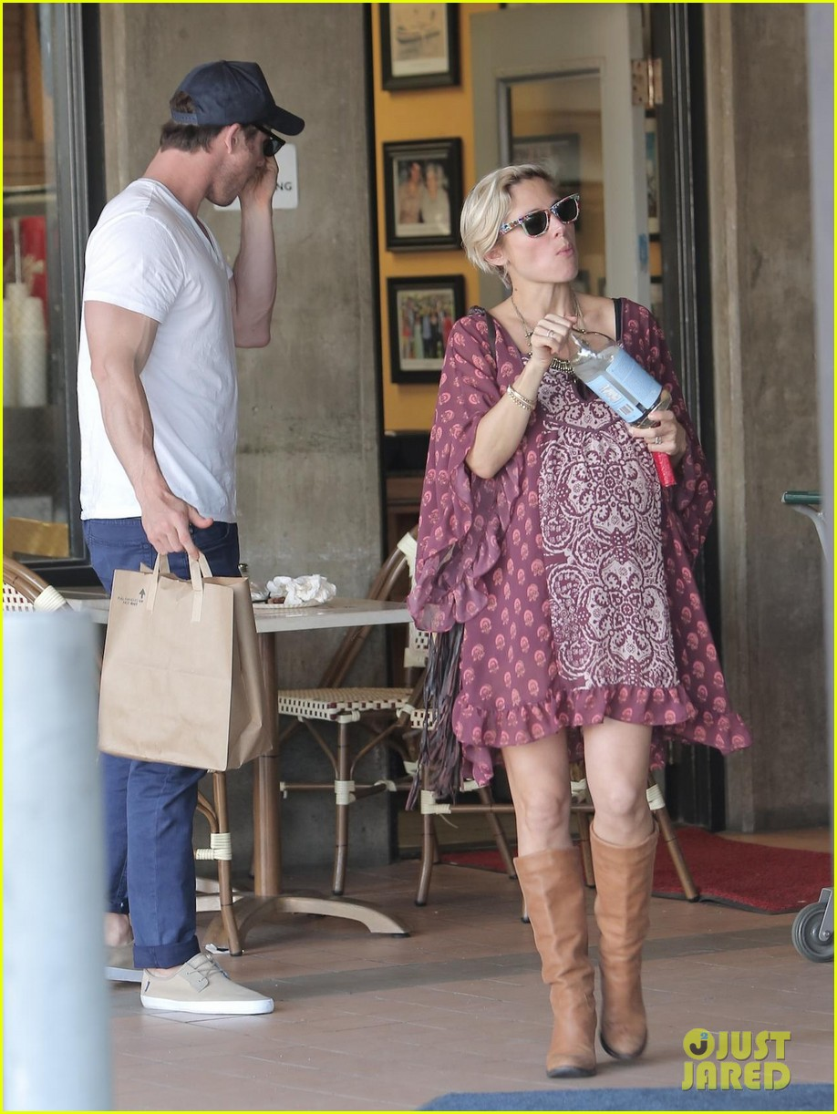 chris hemsworth elsa pataky enjoy lunch date 013067933