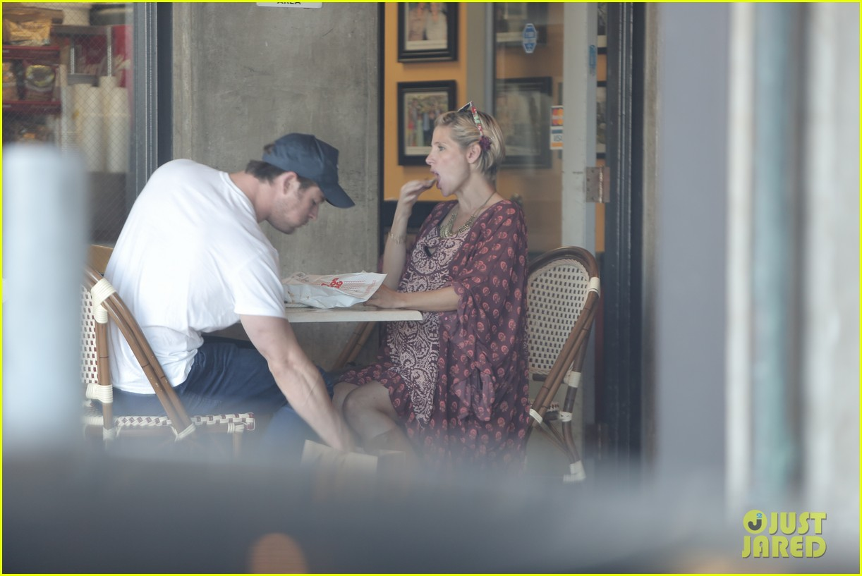 chris hemsworth elsa pataky enjoy lunch date 093067941