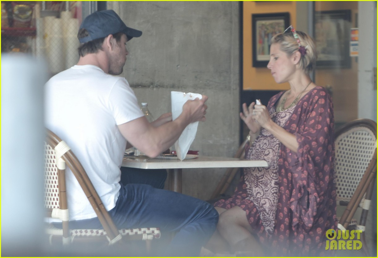 chris hemsworth elsa pataky enjoy lunch date 113067943