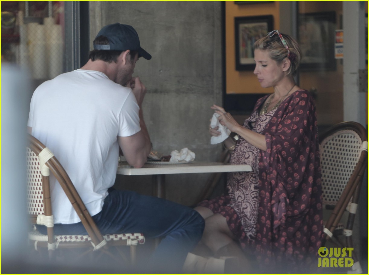chris hemsworth elsa pataky enjoy lunch date 133067945