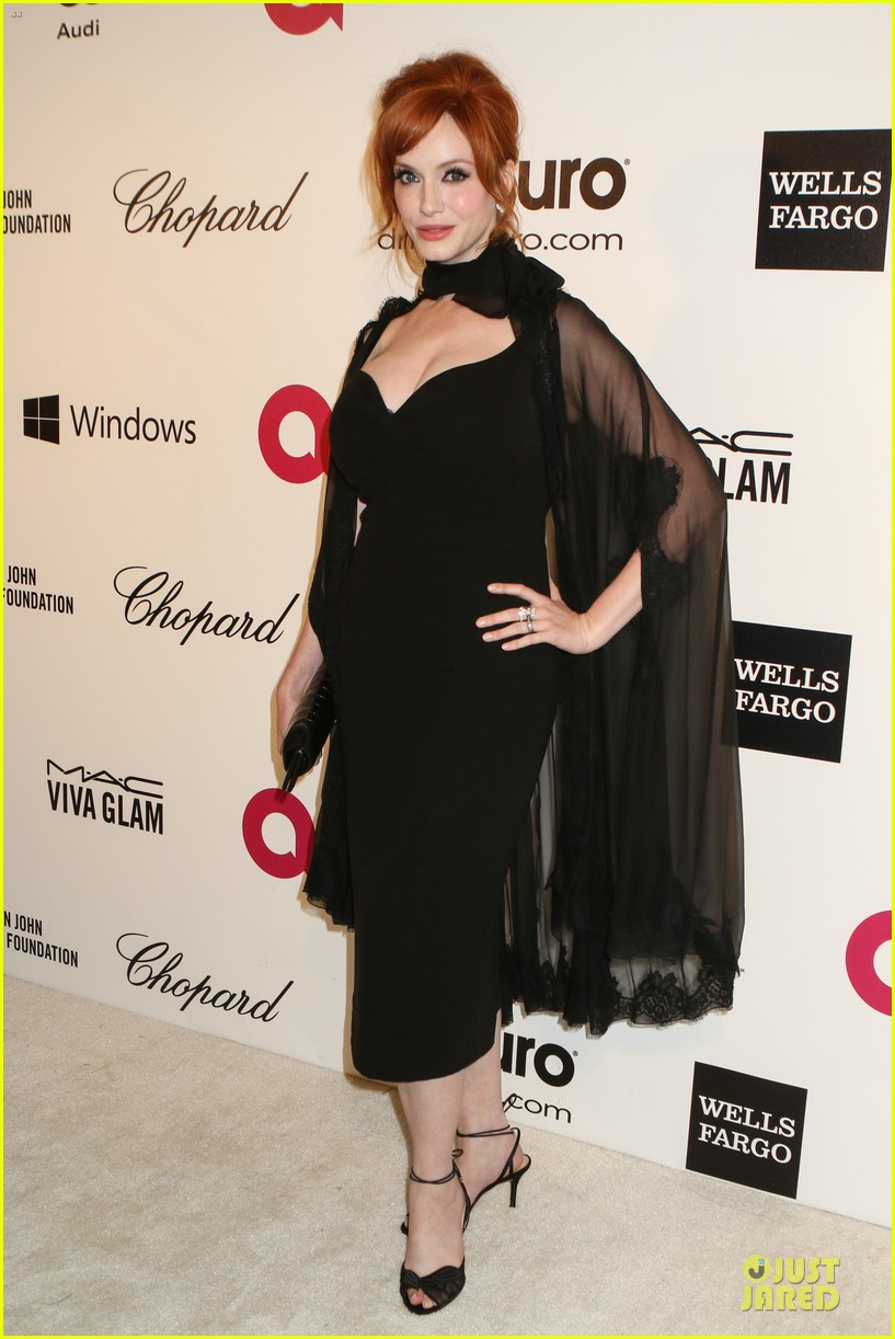 christina hendricks paz vaga show off their assets at elton john oscars party 2014 013065020