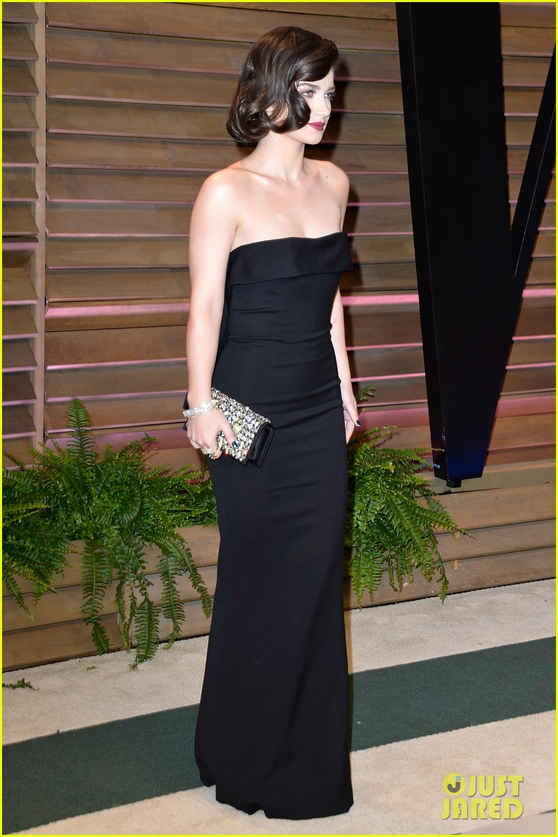 eve hewson bono attend vanity fair oscar party after performing 083064800