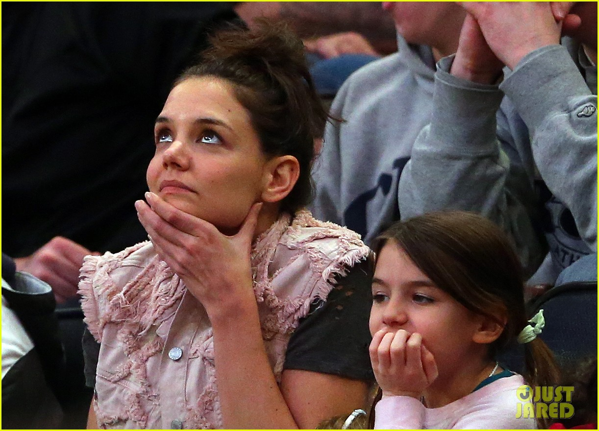 katie holmes suri cruise basketball game 013082221