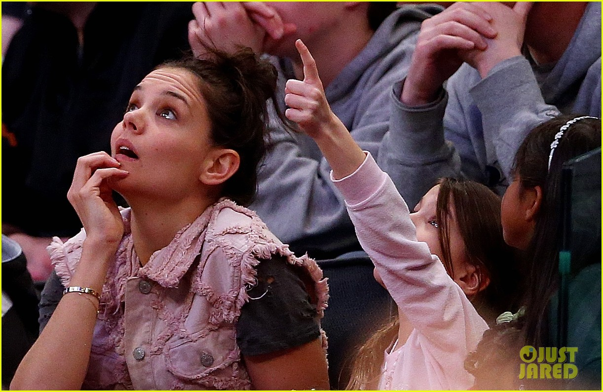 katie holmes suri cruise basketball game 033082223
