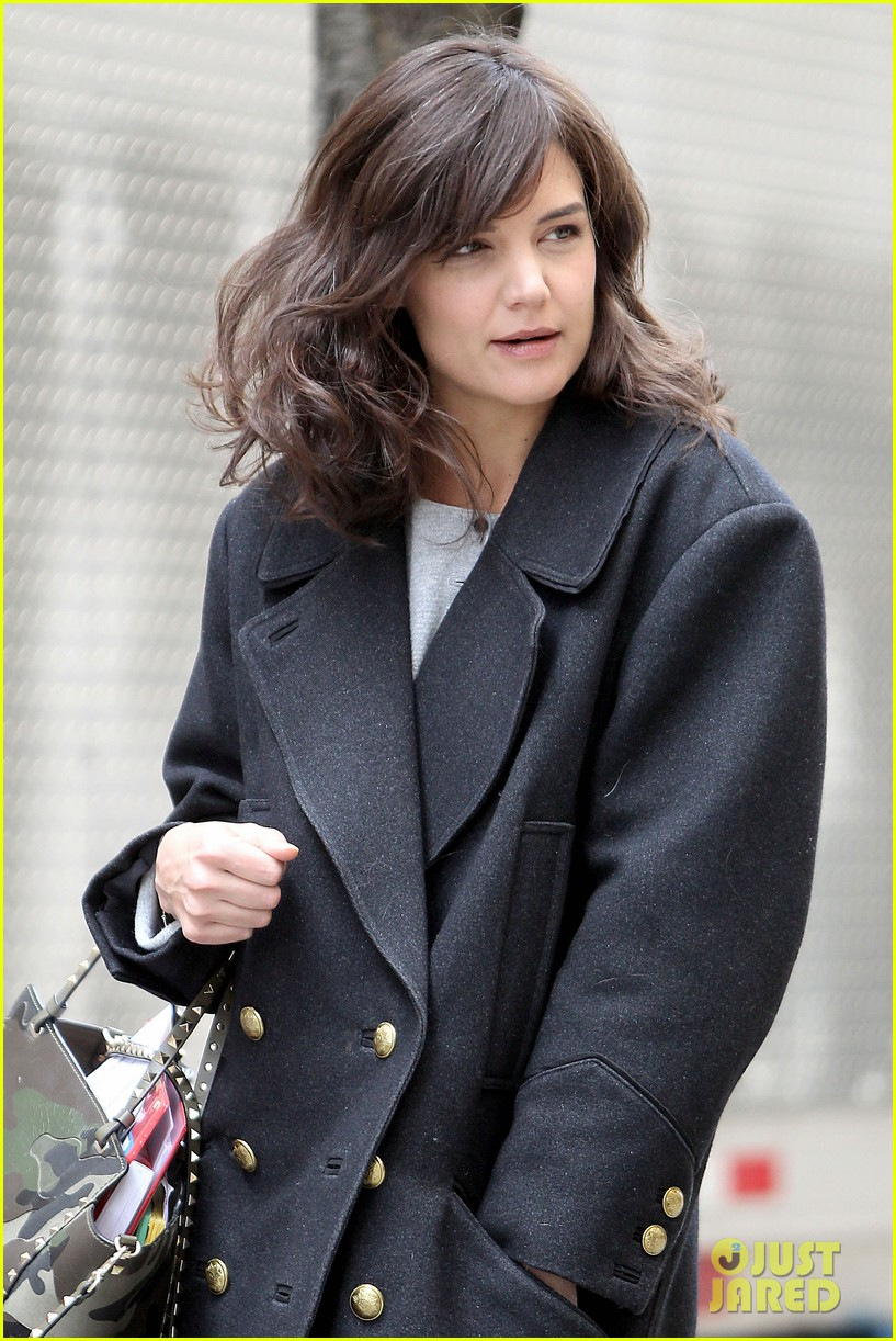 katie holmes prepares for her return to television on set 103079860