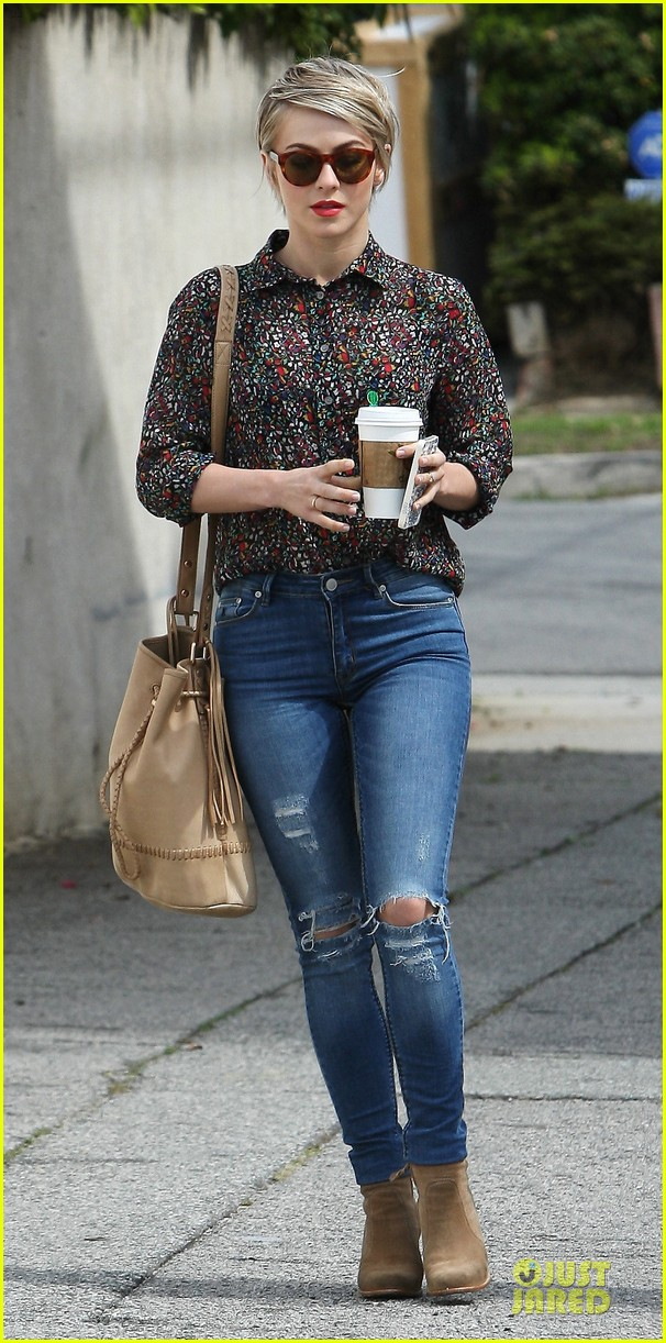 julianne hough travoltified name is johnnie hoyll 033068289