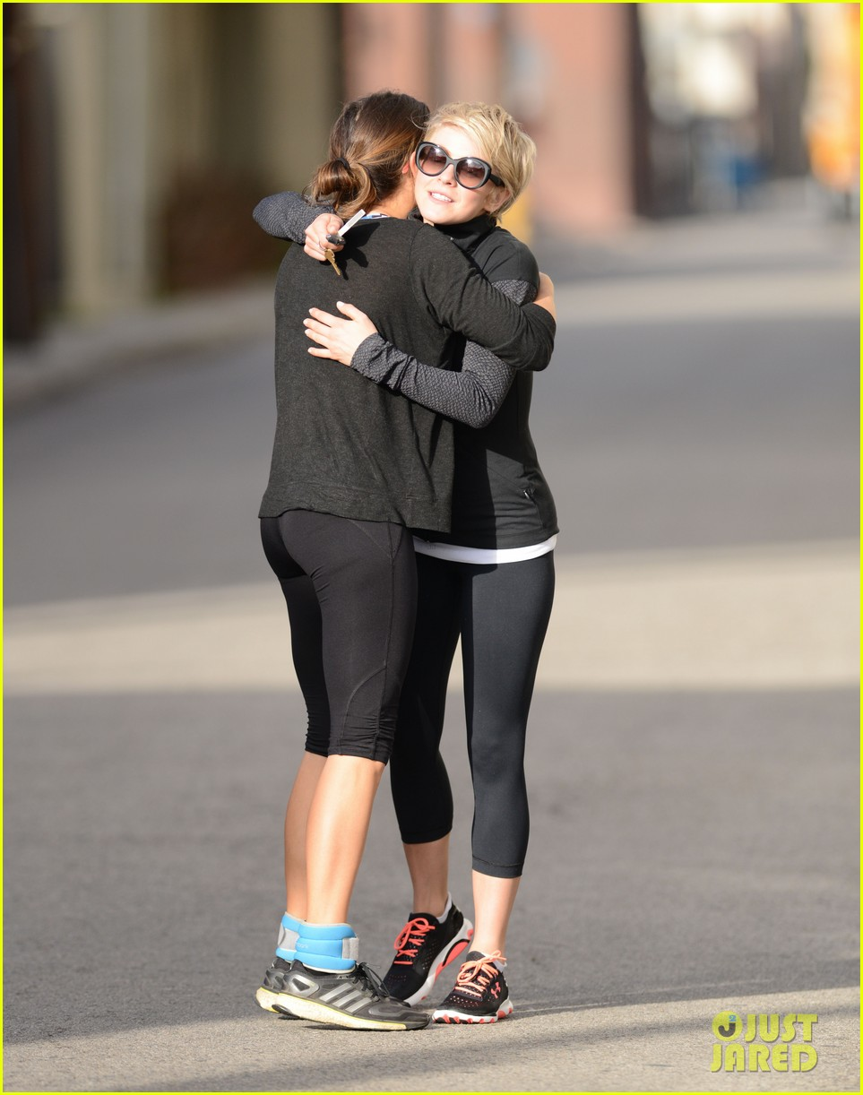 julianne hough nikki reed hug it out after gym date 053070558