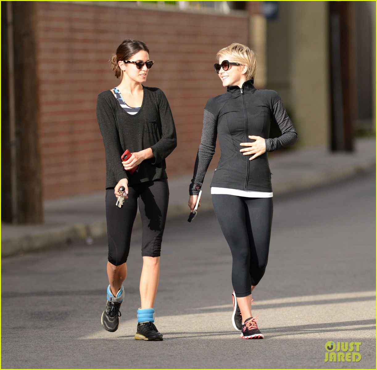 julianne hough nikki reed hug it out after gym date 09