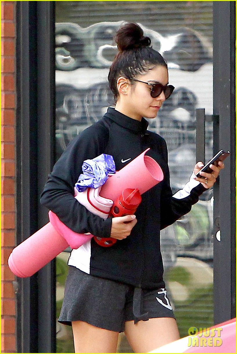 anessa hudgens happy first day of spring 013075536