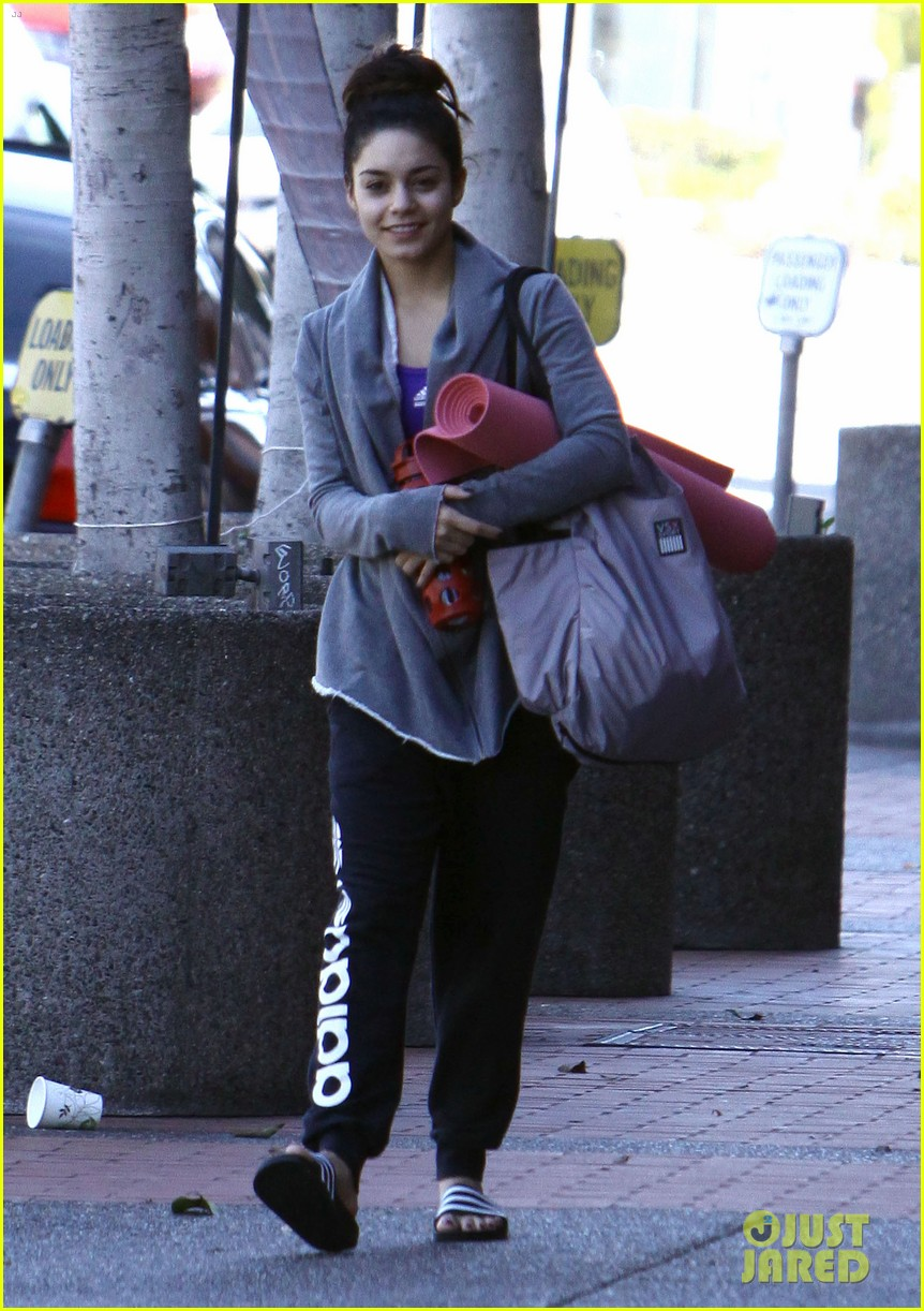 vanessa hudgens loves hugging trees see the cute pic 073068581