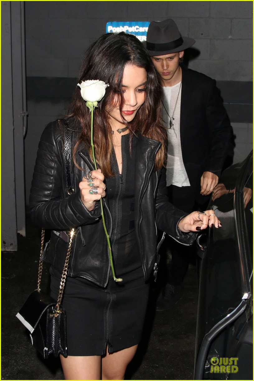 vanessa hudgens definitely deserves a white rose 023068312