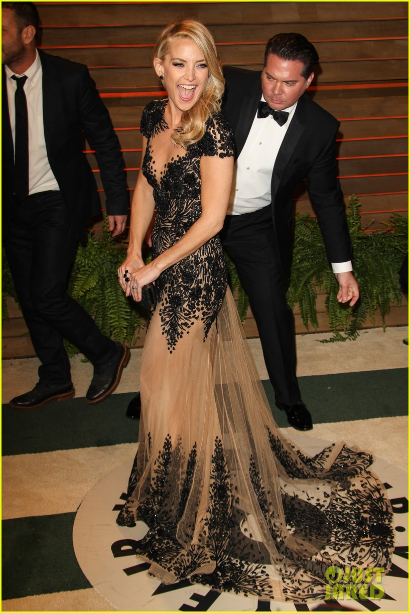 Kate Hudson Changes Into New Dress For Vanity Fair Oscars Party 2014 ...