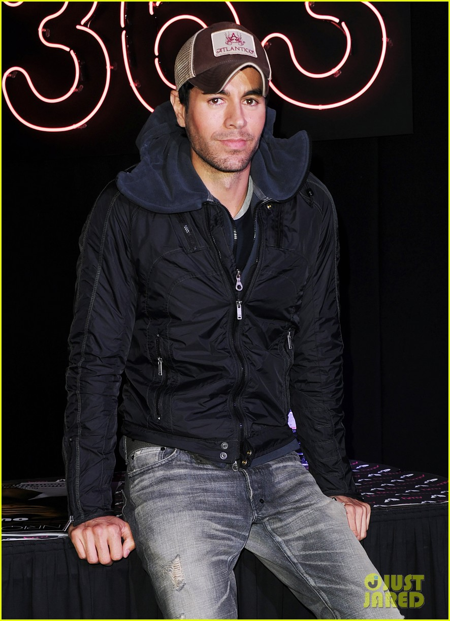 enrique iglesias explains how he avoided pitfalls in the business 053080454