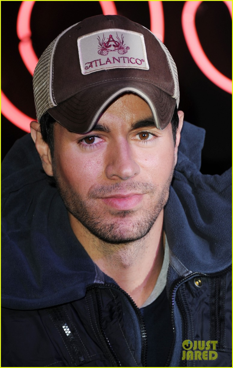 enrique iglesias explains how he avoided pitfalls in the business 093080458