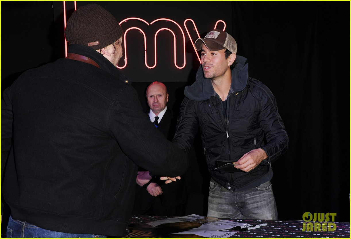 enrique iglesias explains how he avoided pitfalls in the business 113080460