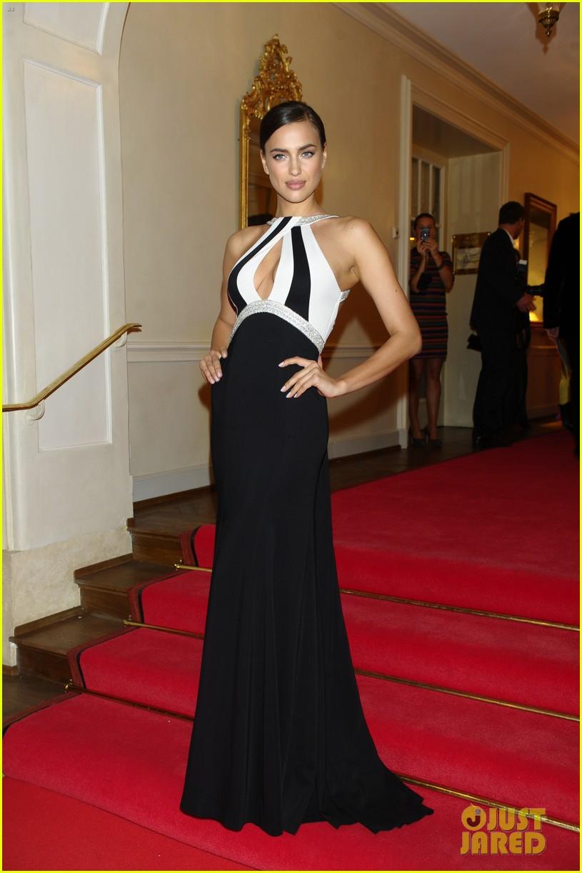 irina shayk assets plunging neckline gala spa awards 2014 103072743