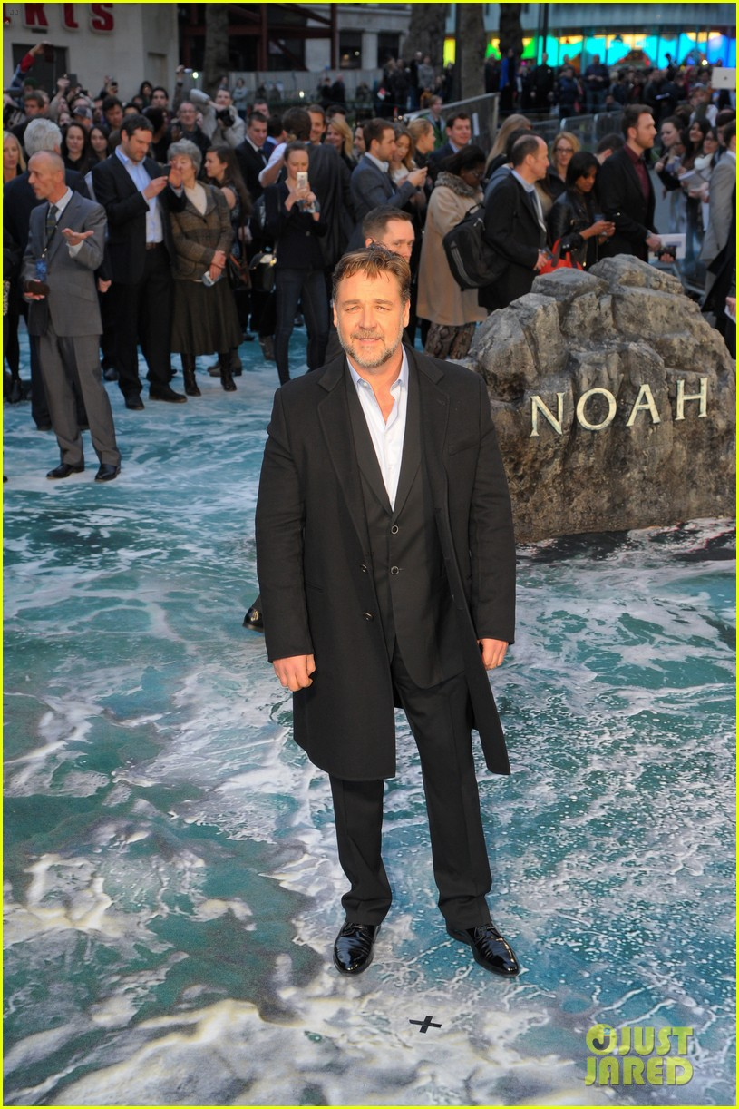 hugh jackman supports russell crowe noah uk premiere 253082435
