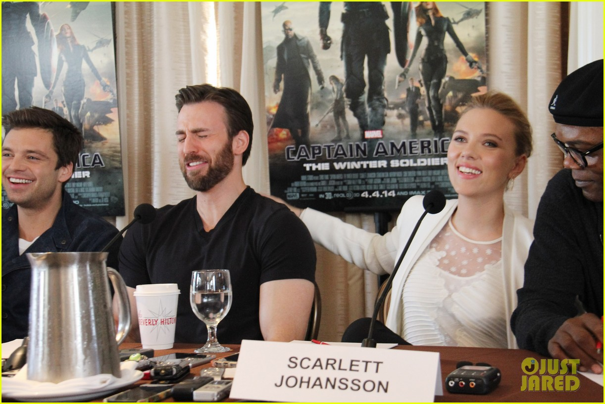 scarlett johansson captain america press conference 02